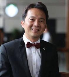 Jakarin Srimoon,  Dean University of the Thai Chamber of Commerce